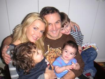Jag, pappa, pojkarna och min lillebror Leon (vintern 2006)
