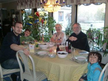 Middag hos Mor och Gunnar.