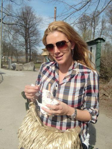 Tog en glass i solen när dagens möten var avklarade. (Cami78, skjortan kommer från Top Shops gravidlinje)