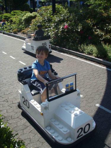 William tog körkort för Lego-bilar.