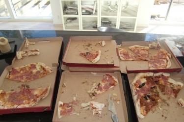 Så här ser det ut när Graafarna frossar pizza.