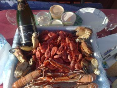 Så här kunde vår lunch se ut. Färska skaldjur från den lokala fiskeboden.