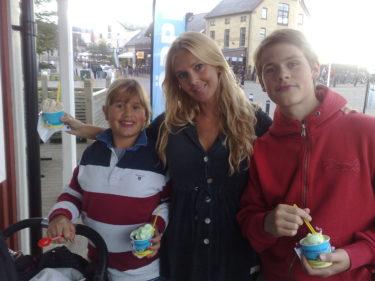 Amanda, jag och Tim innan vi höll på att spricka av all glass vi tryckte i oss.