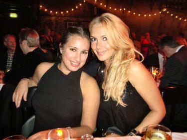 Jag hade Katrins fina lillasyster Monica på min ena sida...
