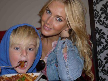 När Mio tog bilden passade William på att äta upp min mat.