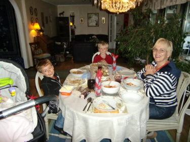 Mammas mat slår min, tycker pojkarna, men det gör nog de flesta :-)