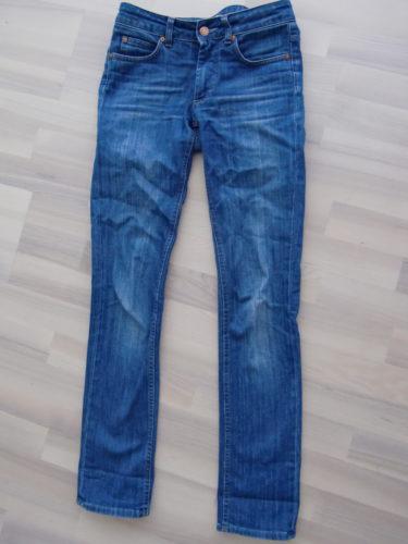 Hex Lena heter modellen på dessa ACNE-jeans.