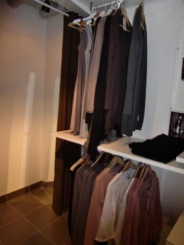 Matilda som äger butiken säljer även kläder från DAY och Melmelli. Melmelli är ett nytt märke, som än så länge bara säljs i ett fåtal butiker.