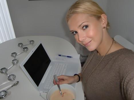 Bestämde mig för att äta utan att glo på datorn. Det händer tyvärr allt för sällan.