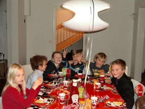 Grattis Tristan! Idag blir det ännu mer godis och tårta till alla barnen.