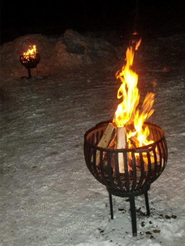 Trots vår vanliga otur med hus och em så klarade vi oss från att bränna upp området. Tack snön :-)