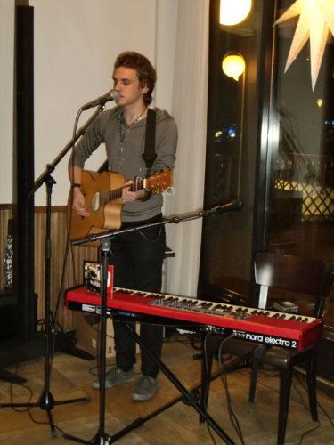 Magnus Wejdeskog stod för kvällens skönsång. Han var så bra!
