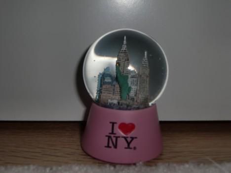 Så typiskt mig att köpa en mini snöglob med N.Y.