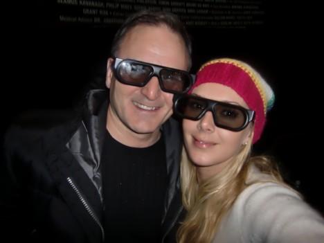 Jag och pappa i våra 3D glasögon. Kanske skulle skaffa mig ett par riktiga, med tanke på att jag ser som en mullvad.