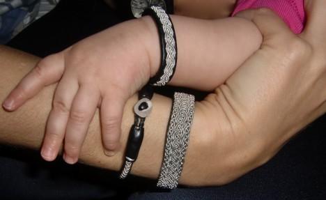 Kolla in vad vi matchar varandra bra med våra vackra armband.
