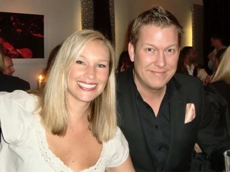 Jespers vackra syster Linda och hennes man Pontus.