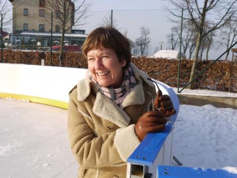 Marianne stod redo om vi skulle ramla på isen.