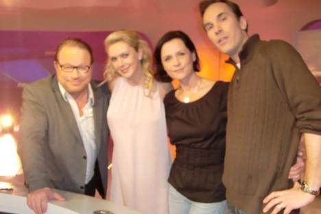 """Cleas, Sofie och Johan från föreställningen """"The Producers"""" var våra första gäster."""