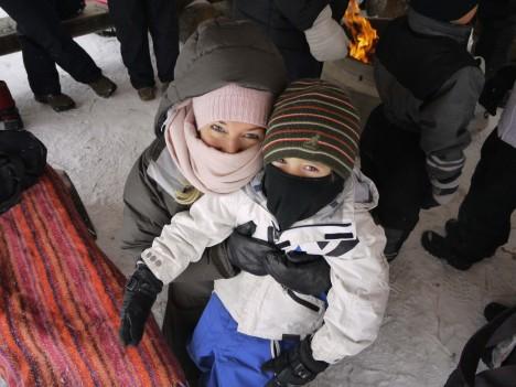 Vi ser ut som två beduiner, fast i snöstorm.