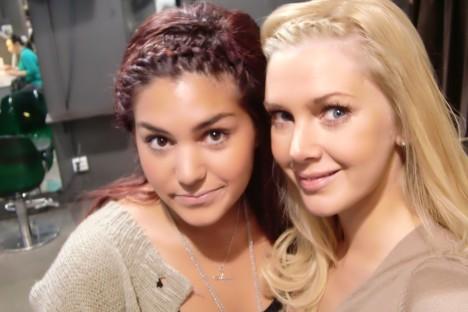 Söta Nadia på Bobbys Hårstudio färgade mitt hår. Hon gjorde en inbakad fläta i min lugg som jag tycker är så fin. Önskar att jag kunde göra det själv, men det kommer bara sluta med att jag i ren ilska sliter av hela luggen för att jag inte får till det. Får åka till henne varje morgon så hon kan göra det :-)