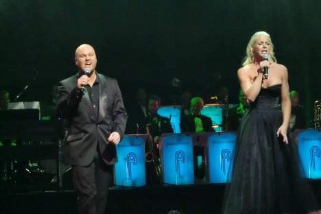 Mr Kempe och Malena gick upp i höga operettoner. Carolina Af ugglas och Agnes var andra artister som underhöll och vann priser.
