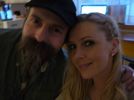Rolf höll mig sällskap. Han är världens bästa studioman, och så har han dessutom en rolig mustasch.