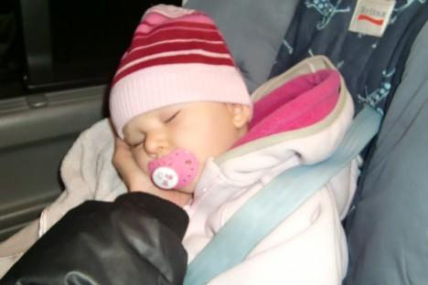 Liv somnade så fort taxin började rulla.