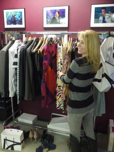 Lizette väljer vilka kläder vi ska bära. Hon är bäst!