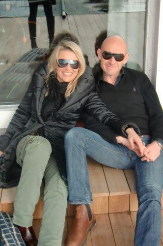 Diana och Jesper satt med oss ute i solen.