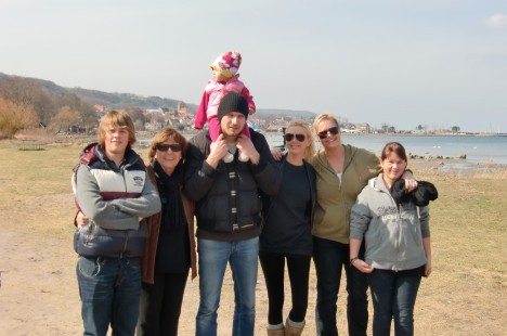 Vi tog en långpromenad längs med stranden bort mot hamnen.