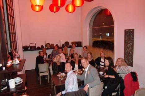 Vi var ett stort gäng som efter en vip-kväll i Jespers butik Spirit med shopping åt middag tillsammans.