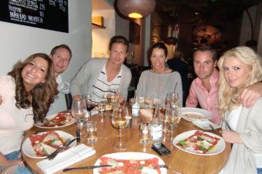 Vi åt middag på restaurangen Aubergine. Tara, Kevin, Mathias, Agneta, Max, jag och Peter (som står bakom kameran).