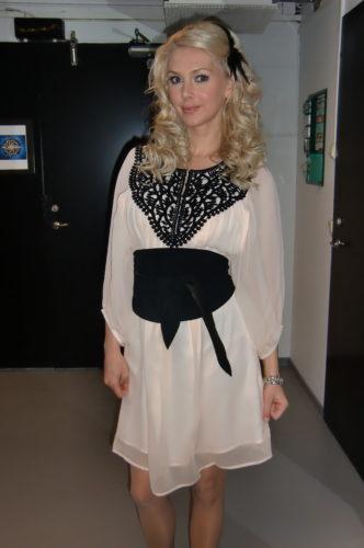Klänning från Designers Remix Collection och mockabälte från Malene Birger. Vill ha!