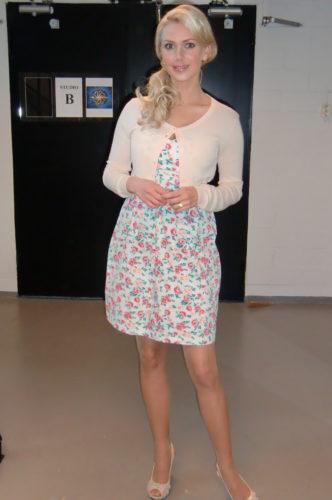 En somrig klänning och kofta från Samsoe & Samsoe.