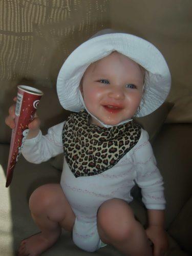 ...och vägrade ge tillbaka den. Hon älskar glass.