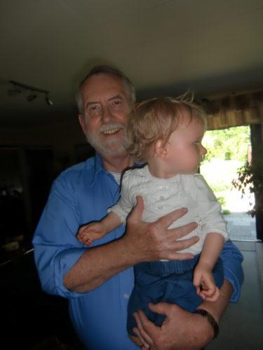 Gunnar fyller år. Hurra! Liv fick syn på Bosse och Bimbo och var inte intresserad av att kramas med morfar.