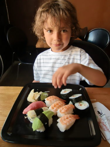 Vi åt sushi och fick energin tillbaka.