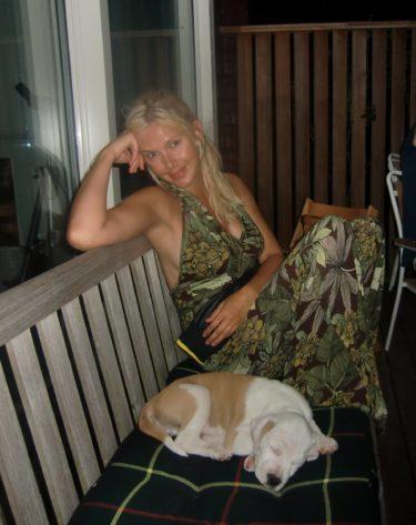 På onsdag packade vi bilen full och for ner mot Båstad. Amanda (Peters systerdotter) hade fått en söt hundvalp som bajsade på mattor och golv när han inte sov..