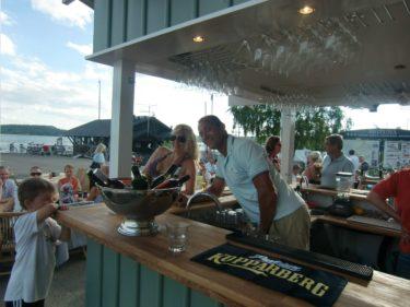 Robban som äger VÅFFLAN invugde igår den nya baren. Han bjöd alla gäster på en runda av  vad de ville ha. Känner på mig att jag kommer sitta här många eftermiddagar och kvällar i sommar.