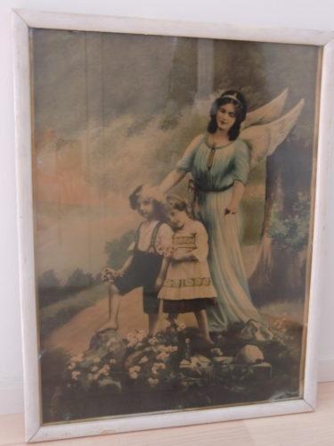 Den här är säkert över hundra år gammal. T.o.m. min mammas farmor hade den som barn.