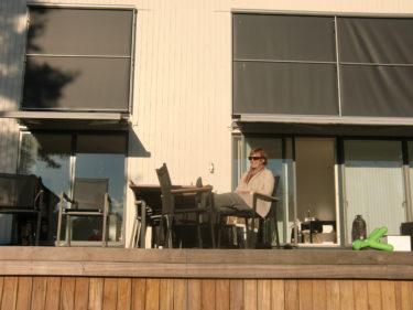 Väl hemma igen fikade vi i solen på altanen.