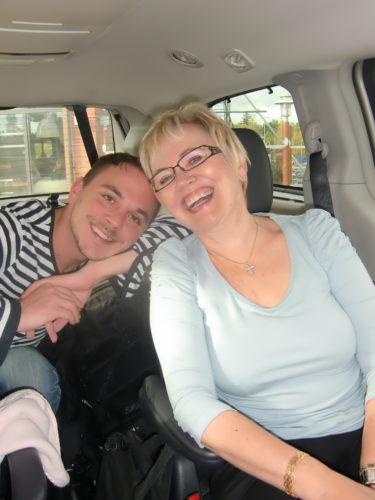 Lill-Magnus och mamma följer med på Ullared-trippen.