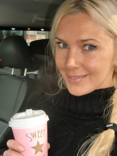 Bra med ett tänkvärt budskap på kaffemuggen, då smakar kaffet så mycket bättre. Sweet Coffee!