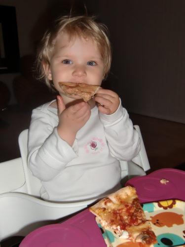 Min taco-pizza gick även hem hos Livan.