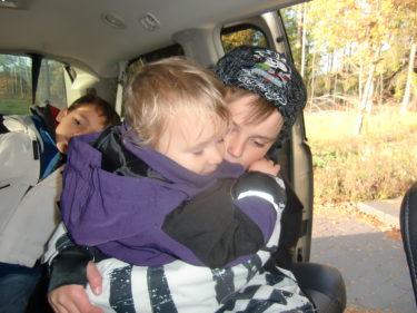 Liv blev så lycklig när hon såg pojkarna och kramade om William länge.