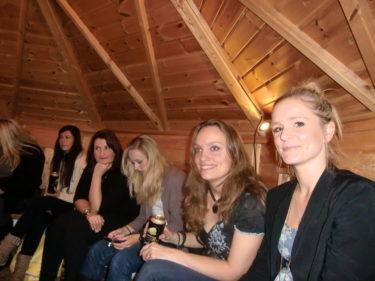 Zara, Annika, Anna, Lommo och Marica som avr med på Melodifestival-kvällen i Malmö i vintras  var med och förgyllde vår kväll.