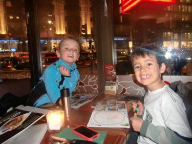 När vi kom in till satn så gick vi och åt på pojkanas favoritrestaurang Jensen´s Böfhus. Kan inte riktigt hålla med dem i deras tycke och smak.