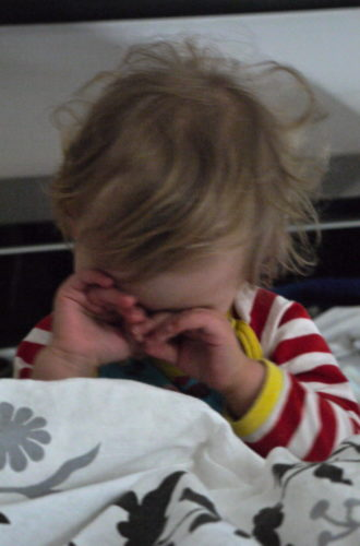 Nu ska vi gnugga sömnen ur ögonen, kliva ur våra pyjamisar och fara och handla.