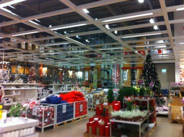 Väl på IKEA blev jag som paralyserad av allt julpynt.