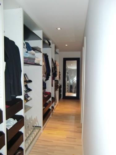 Walk-in-closet.